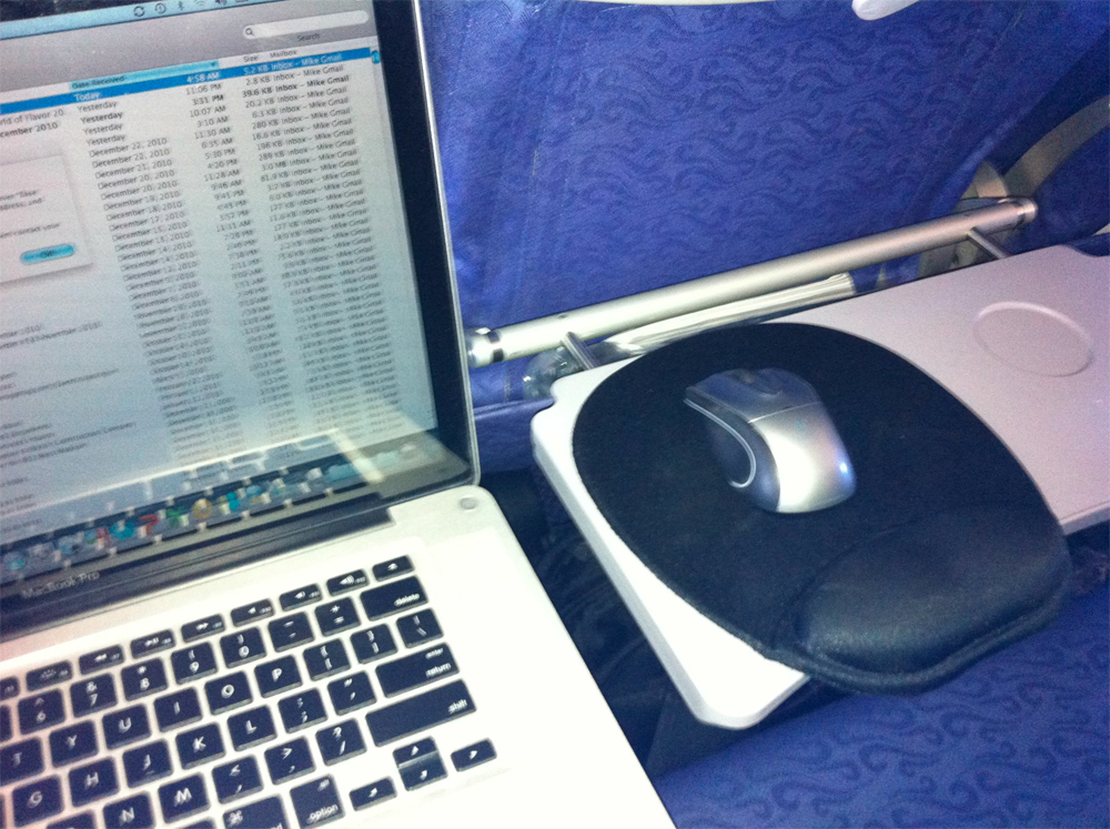 office-set-up-on-the-air-plane